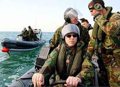 英国海军特种部队加紧训练图片