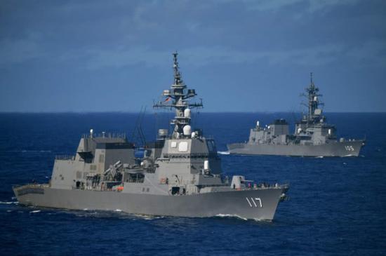 日媒:日本向中国南海秘密派潜艇 还与准航母演习