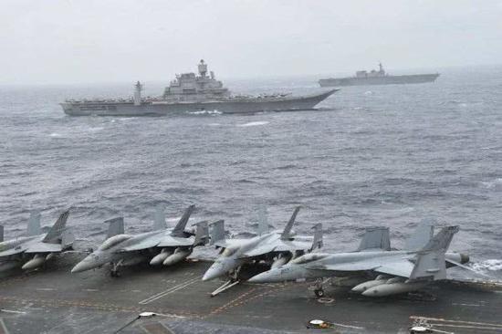 图为美日印海军马拉巴尔海上联合演习