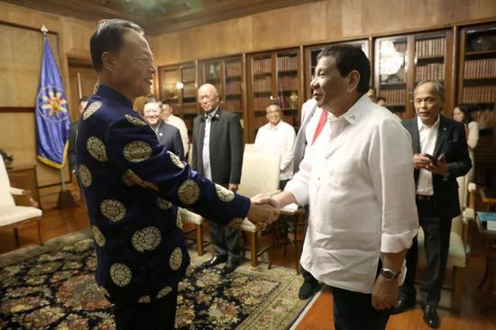 ▲资料图片:菲律宾总统杜特尔特在总统府会见赵鉴华大使。