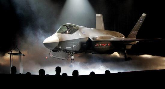 俄媒:f35从生产到作战存致命缺陷 飞行员或因此丧命