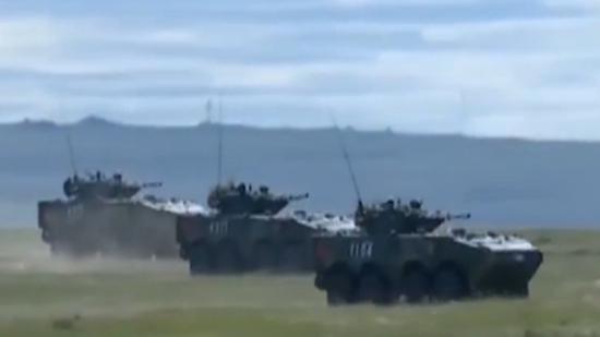 演习中,我军的战技术水平也得到了俄方参演官兵的极大地肯定。