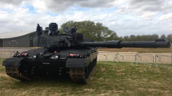 德媒:英国欲对抗俄T14展示新坦克 但主炮已过时