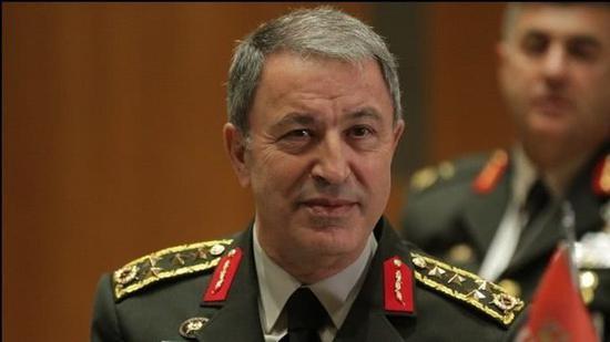 土耳其国防部长胡卢西?阿卡尔