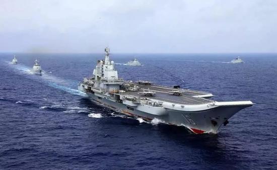 让我们一起来回顾辽宁舰入列难忘的历史瞬间!