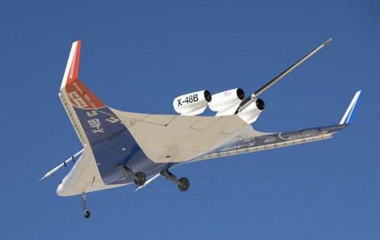 波音公司X-48缩尺寸飞翼客机模型