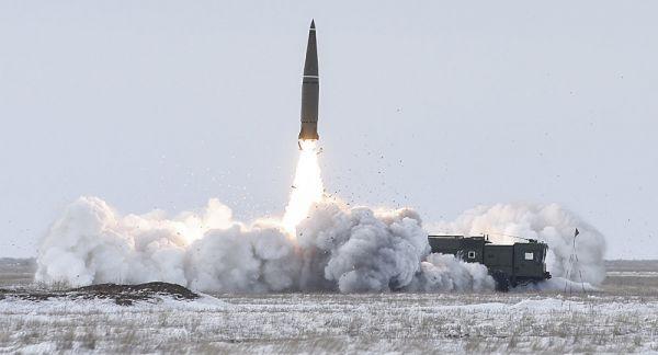 俄军在中亚反恐演练