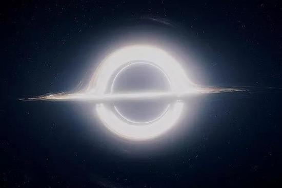 电影《星际穿梭》中的黑洞图片起源:Wired
