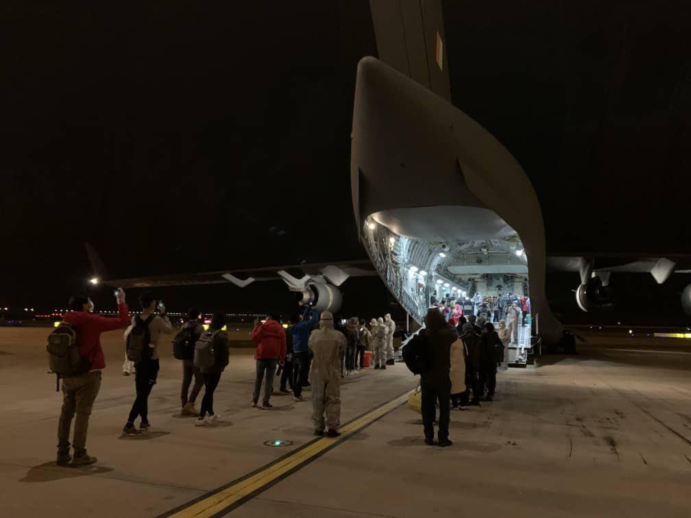 印度空军C17运输机飞抵武汉 送来15吨医疗物资(图)