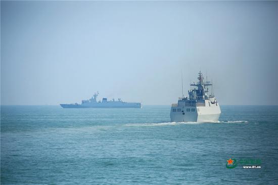 资料图:东部战区护卫舰支队进行实战化训练 图源:中国海军