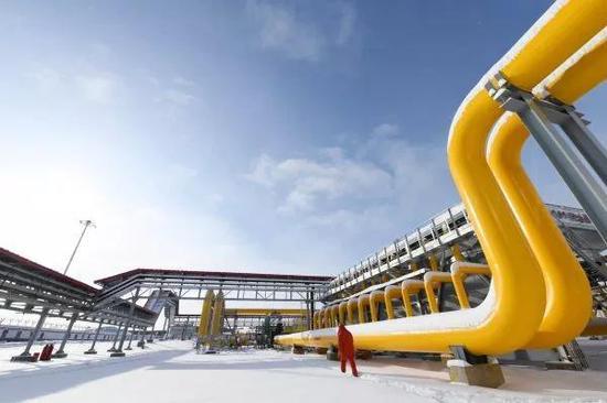 ▲12月2日,中俄东线天然气管道北段工程正式投产通气。图为11月19日拍摄的中俄东线天然气管道北段黑河首站场区。(新华社)