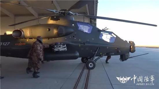 ▲直升机出库